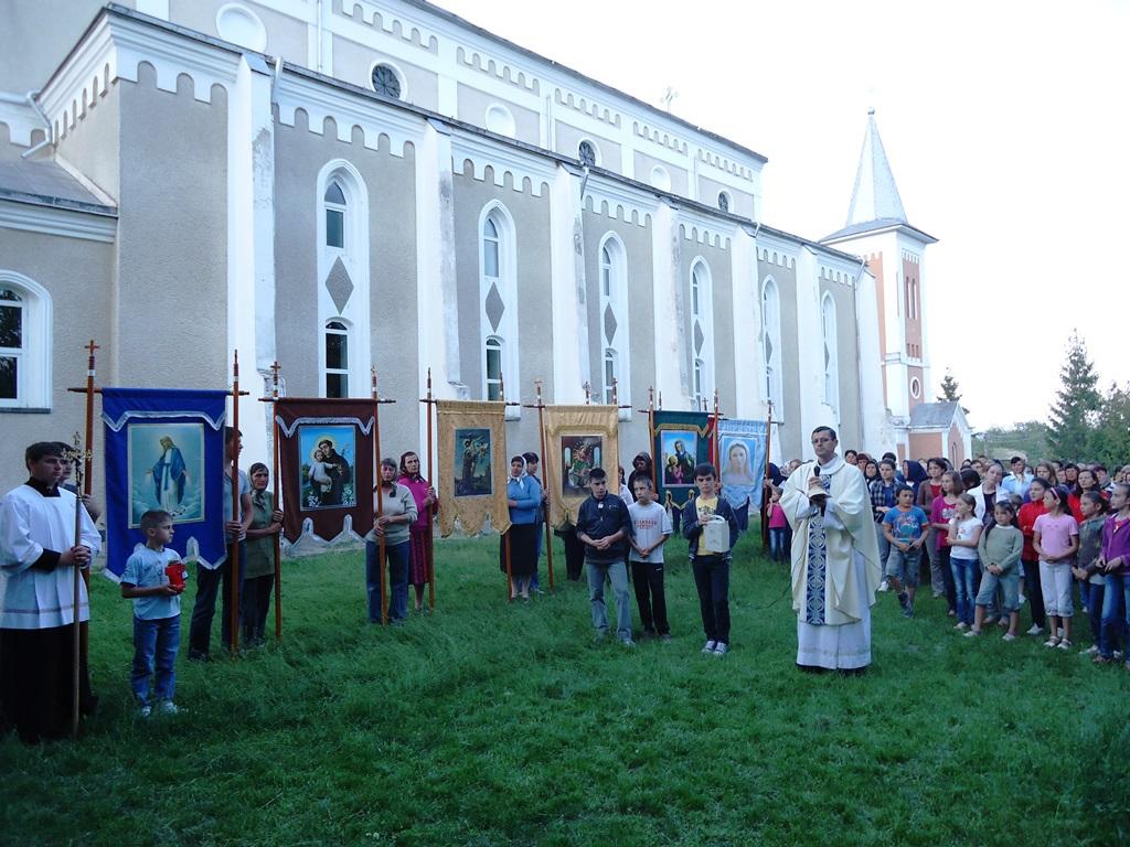 Rugăciuni și procesiuni pentru ploaie
