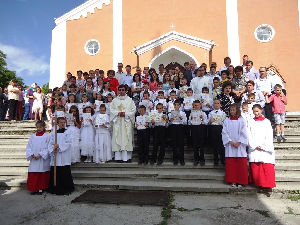 Prima Sfântă Împărtășanie Valea Mare 12 Mai 2013