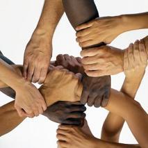 Rețele sociale – porți de adevăr și de credință.