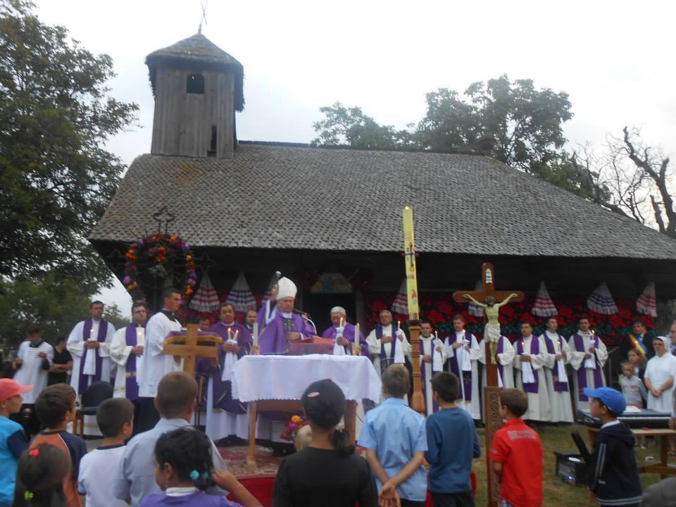 Liturghie cu requiem pentru răposaţii accidentului de pe Valea Uzului