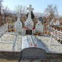 Preoţi înmormântaţi în cimitirul din Valea Mare-Faraoani.